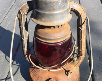 Vintage Lantern Hanging Lantern Kerosene Lantern Red Glass Farmhouse Decor Rustic Decor Cabin Decor Movie Props Railroad Lantern Light