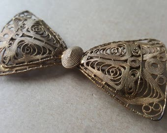 Antique Filigree Gold Tone Bow Brooch Edwardian Pin