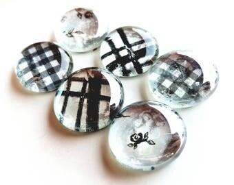 Black/white magnets