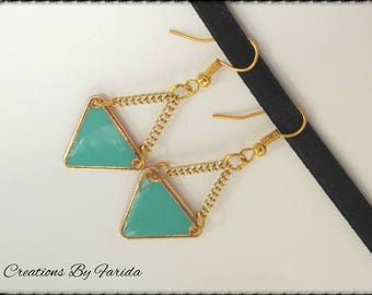 Earrings with sea green triangle gold metal and epoxy