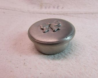 Seagull Pewter Trinket Box and Bow Earrings