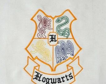Hogwarts Crest minimalist machine embroidery design 5x7