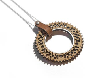 NECKLACE wooden & LH wheel bike