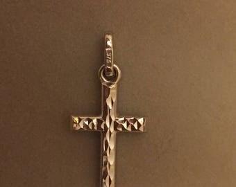 9ct white gold cross pendant