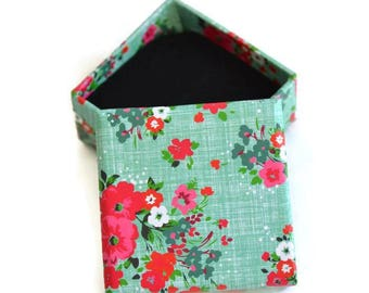 1 box for ring 26x50mm green flower pattern