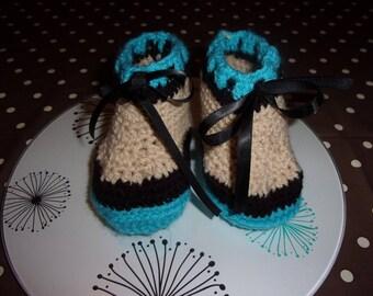 hand crocheted botinnes 100% acrylic yarn