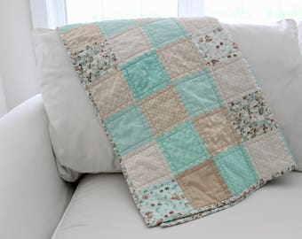 Sweet Dreams Baby Quilt (Crib/Toddler Size) in Mint and Beige