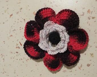 1 flower crocheted diameter 9 cms