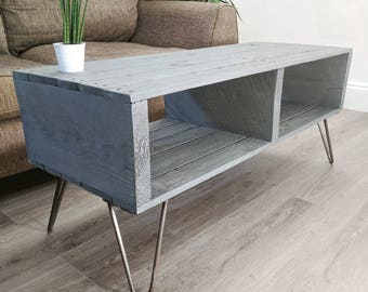 "Reclaimed Wood Retro Pallet Coffee Table ""TURVAS"" Gray with Hairpin Legs"