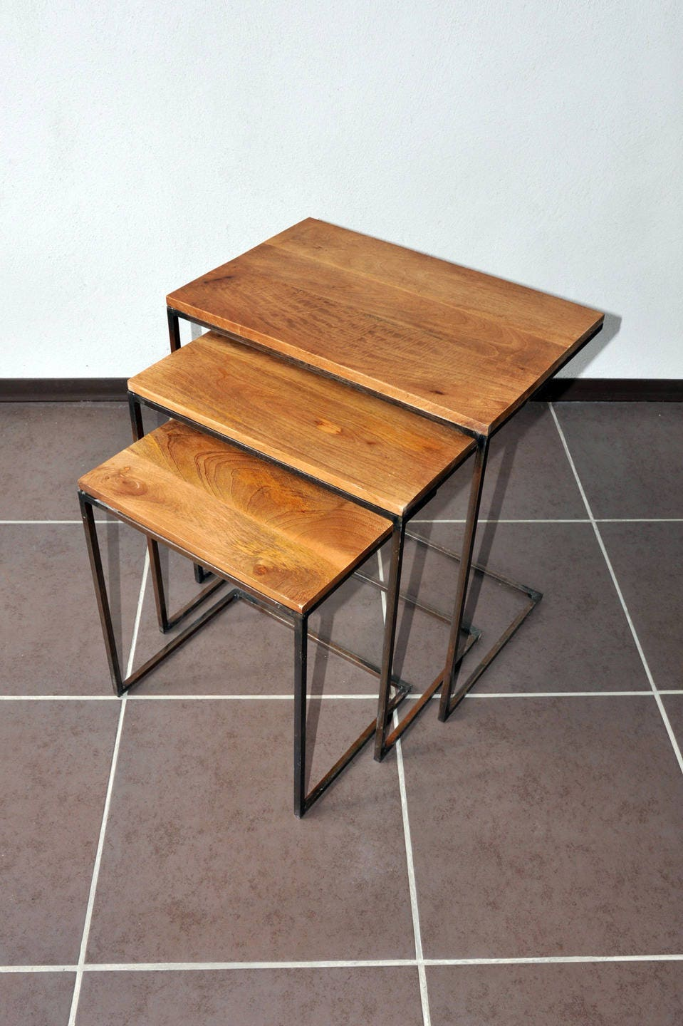 tables basses gigognes industrielles. Black Bedroom Furniture Sets. Home Design Ideas
