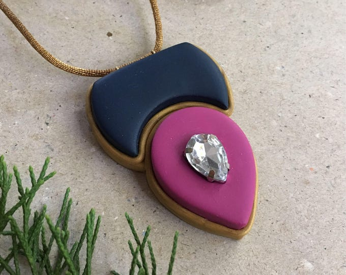 COLOR CREST NECKLACE// Color blocked, geometric pendant// Navy and mauve tear drop pendant