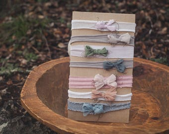 Dainty Bow Set - photography prop