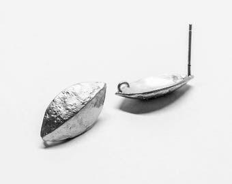E0190/Anti-Tarnished Matt Rhodium Plating Over Brass/Vintage Oval Stud Earrings/9x18mm/2pcs