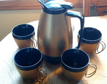 Mod gold black, retro vintage Thermo Serv carafe pitcher & mugs