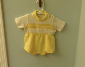 6 Month? Yellow and White Sweater Bubble Outfit
