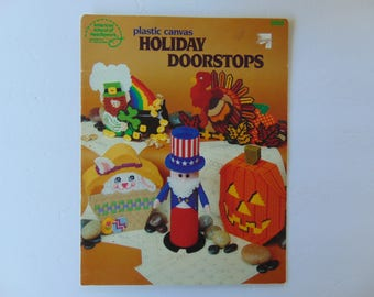 Plastic Canvas Holiday Seasonal Doorstops ASN 3065
