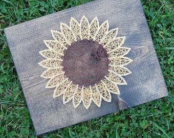 Sunflower string art, flower string art, fall flower string art, string art sunflower, sunflower wall art, sunflower wall decor, string art