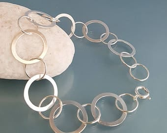 Silver Hoop bracelet chain, Dainty hooped bracelet, silver circles jewelry, hooped link bracelet, UK birthday gift for her, hooped jewellery
