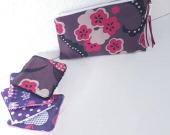 Lot de 8 lingettes demaquillantes lavables et leur trousse coordonnée violet/mauve/prune à fleurs
