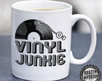 Vinyl Junkie Mug ©,  Vinyl Records Audiophile Music DJ Record Collector Turntable LP Retro Unique Coffee Mug Funny Coffee - Tea Mug
