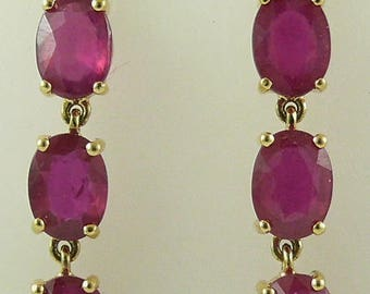 Ruby 6.02ct Earring 18k Yellow Gold and Diamonds 0.09ct