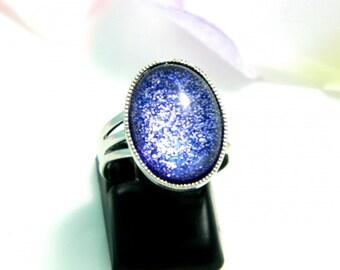 Adjustable blue glitter glass cabochon ring