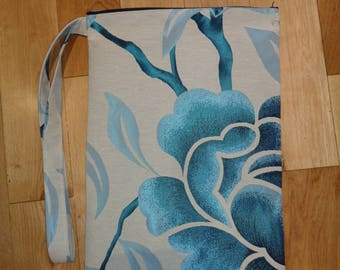 Silky Blue Flower Muddy Boot Poppins Waterproof Lined Zip Pouch  Boot Bag  Welly Bag - Wellington Bag - Travel  Luggage - Wet Weather - PE -