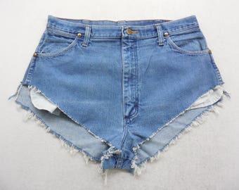 Womens Medium Wash Denim High Cut Off Jean Shorts Size 32 inch Waist