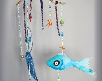 Natural felted wool blue fish mobile, Underwater mobile with fish and dreamcatcher, Natural felted decoration with fish and driftwood.