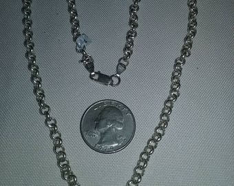 """Beautiful Sterling Silver 925 Chain link Necklace 18"""" long with a Lobster Claw Clasp. Excellent Condition!"""