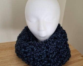 Chunky winter neck cowl-blue/black