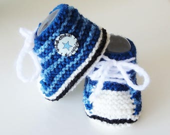 sneakers baby wool with blue stripes 0/6 months - baby shoes - hand made baby booties - wool slippers