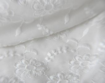 Very pretty fabric lace off-white Jersey transparant