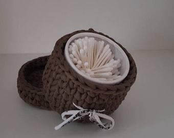 Crochet t-shirt yarn basket