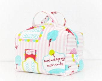 100% greed.. .a vanity Kit toiletry bag colors cupcake, lined and padded