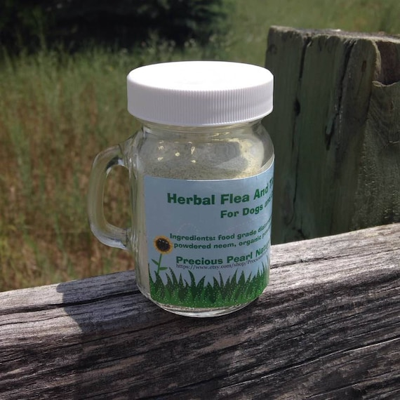 Herbal Flea And Tick Powder For Dogs And Cats
