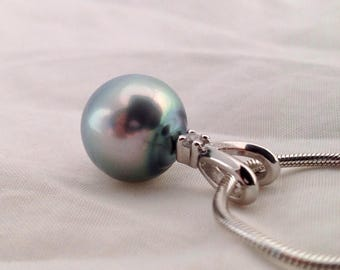 Free Shipping! Tahitian South Sea Pearl 13.4mm AA+ set on a 925 Sterling Silver Pendant & Necklace