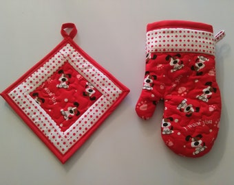 Quilted Dog Lover's Oven Glove & Pot Holder Set, Pet Lover's Decor, Oven Mitt, Dog Lover's Gift