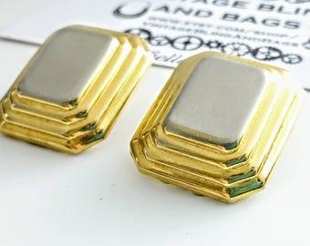1980s RECTANGLE 25x22mm goldtone earrings, vintage statement earrings, gold 1980s earrings, 1980s clip on earrings, gold statement earrings,