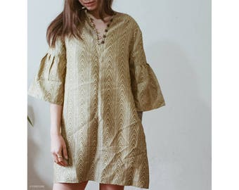 Vintage bohemian 70's bell sleeved mini dress