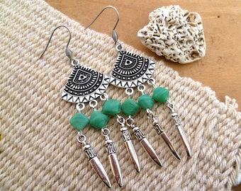 Boucles d'oreilles ethniques avec véritables perles de bohème cristal tchèque émeraude, argent vieilli, cadeau femme, fête des mères