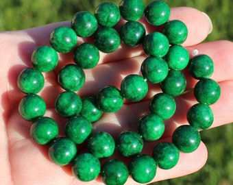 2 ROUND 10 MM AT37 EMERALD BEADS