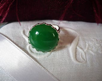 Adjustable green pendant in fine silver ring