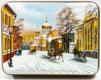 "Russian Fedoskino Lacquer Box - MEDIUM SIZE - ""Old Moscow"" - Hand Painted in Russia - Collectible Art Quality"