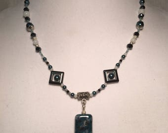 Black and white  ecklace
