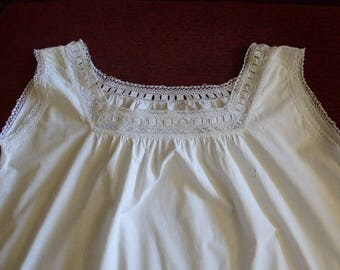 Vintage French Pure Linen Nightdress, Pure Linen Chemise de Nuit, Embroidered Linen 0717009-203