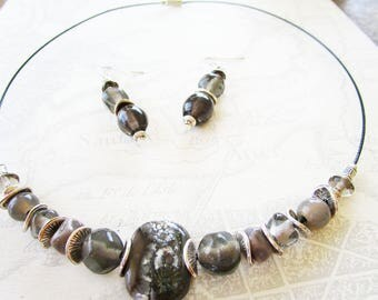 Adornment necklace and earrings of beads-grey tones, silver findings