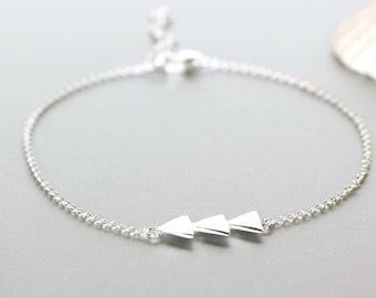 Silver Bracelet, Simple Bracelet, Triangles Charm Bracelet, Bridesmaids Bracelet, Gift Jewelry, Hand Chain, Silver Bracelet, BS25