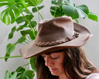 Vintage Minnetonka Genuine Leather Brown Hat, The Outback Hat, Ladies riding hat, Australian Hat