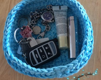 """Tray basket crochet 5 """"square by 2"""" high"""